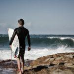W czym uprawiać sporty wodne przy niższych temperaturach?