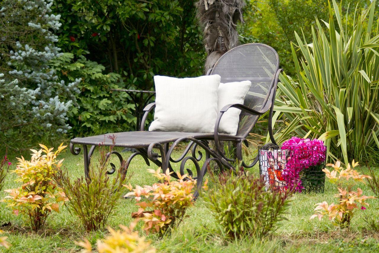 Jak stworzyć miejsce do wypoczynku w ogrodzie?