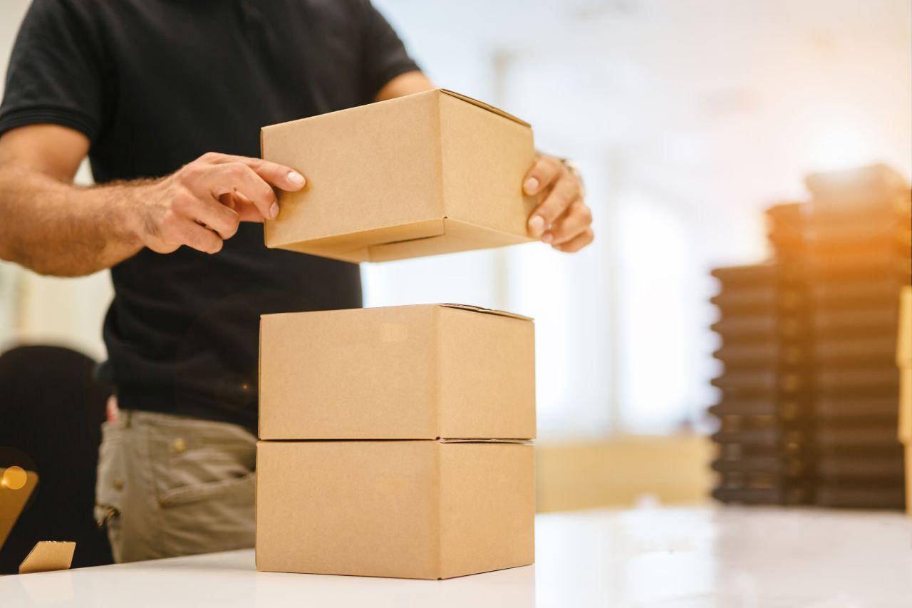 Jak zabezpieczyć towar do wysyłki?