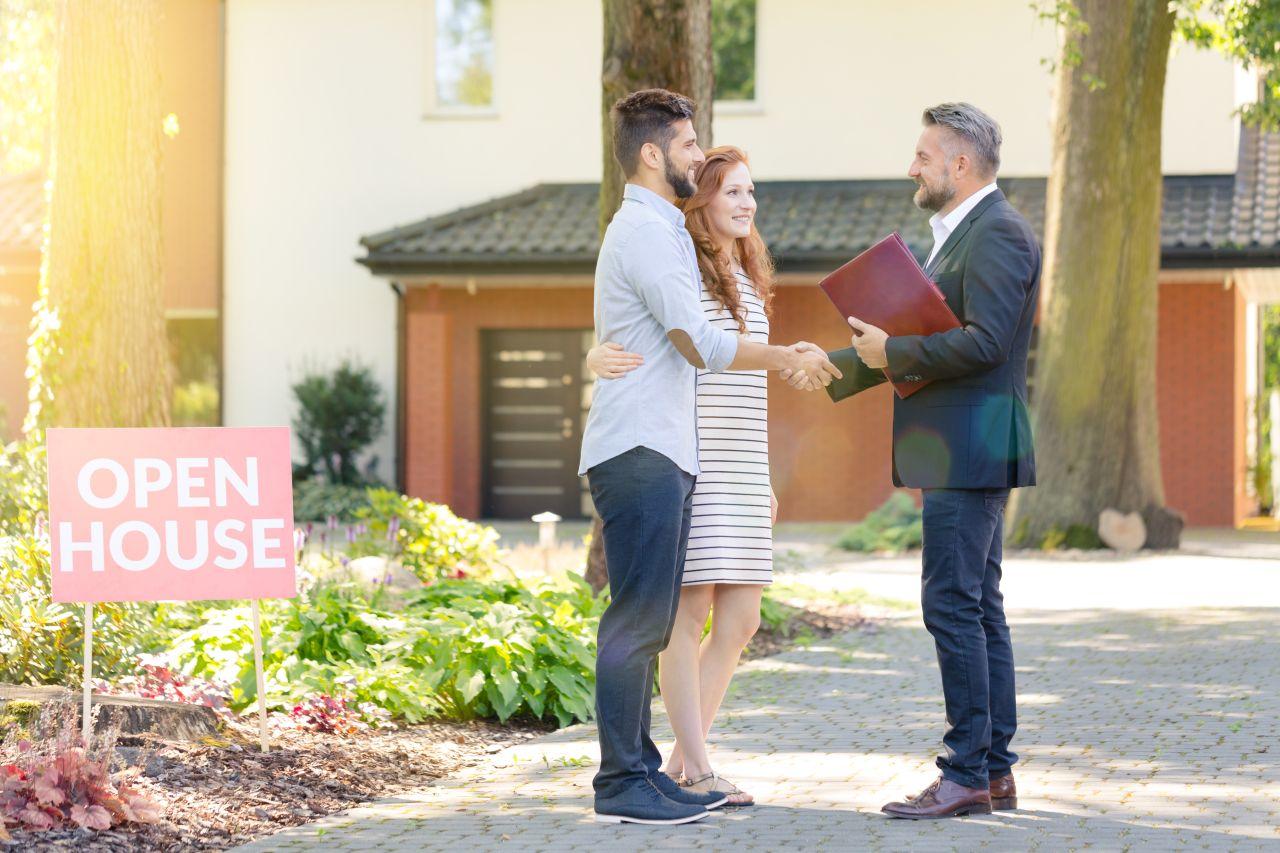 Co jest bardziej opłacalne - zakup nowego domu czy mieszkania?