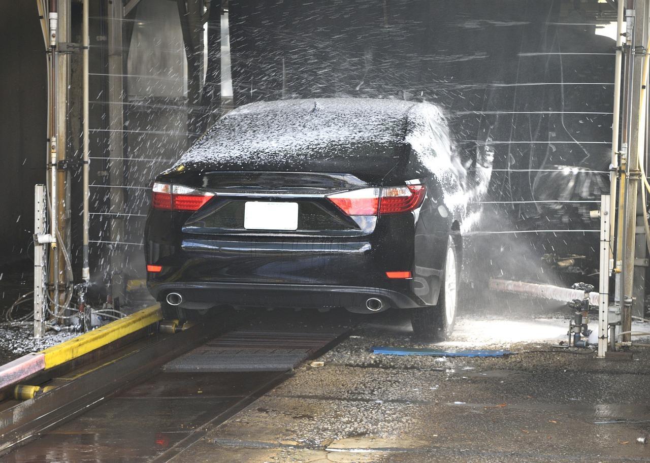 Dlaczego warto korzystać z profesjonalnej myjni samochodowej?