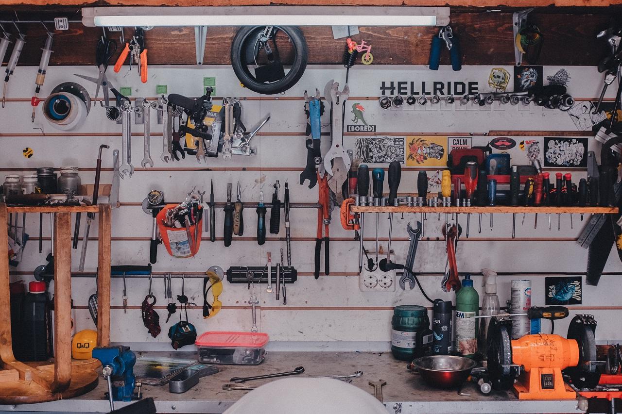 Jak zorganizować miejsce przeznaczone do pracy w warsztacie?