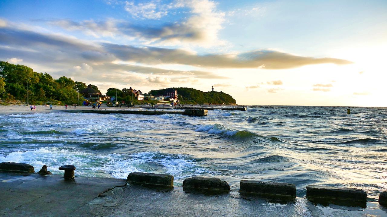 Co ma wpływ na cenę mieszkań na sprzedaż nad morzem?